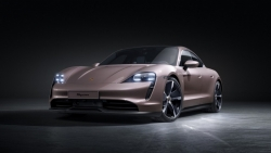 Porsche ra mắt phiên xe thể thao thuần điện Taycan