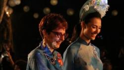 Tự hào 'Thế giới trong tà áo dài Việt'