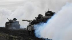 Leo thang căng thẳng với Nga, Ukraine diễn tập pháo binh gần Bán đảo Crimea, sẵn sàng đáp trả các mối đe dọa quân sự
