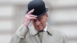 Nhìn lại gu ăn mặc của Hoàng thân Philip - Biểu tượng thời trang quý tộc Anh