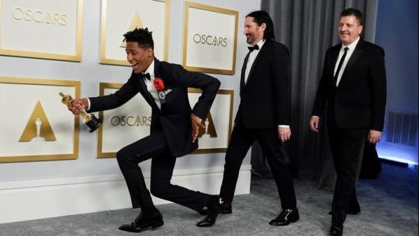 Lễ trao giải Oscar 2021: Những sắc màu rực rỡ, những xúc cảm vỡ òa