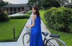 Street style sao Việt: Hoa hậu Mỹ Linh yêu kiều, Hà Tăng trẻ trung như gái teen, Tóc Tiên khoe dáng đồng hồ cát