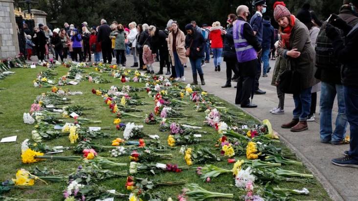 Người dân Anh bày tỏ niềm tiếc thương Hoàng thân Philip trước khi ông được an táng