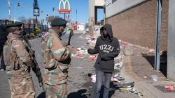Bạo loạn tại Nam Phi: Đại sứ quán đề nghị công dân Việt Nam tăng cường đảm bảo an toàn