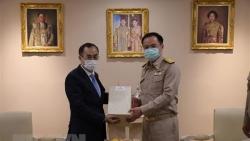 Đại sứ Phan Chí Thành chào xã giao Phó Thủ tướng, Bộ trưởng Y tế Thái Lan
