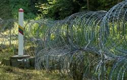 Hungary kêu gọi chặn làn sóng di cư mới, Litva và Latvia dựng hàng rào ở biên giới với Belarus