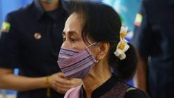 Tình hình Myanmar: Binh sĩ triển khai ngoài tòa thị chính Yangon, Internet bị gián đoạn; Truyền hình quốc gia ngừng phát sóng