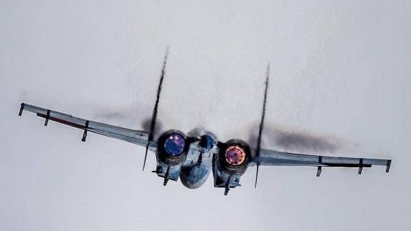 Su-27 Nga lại xuất kích, áp tải cặp máy bay ném bom hạt nhân B1-B trên Biển Baltic
