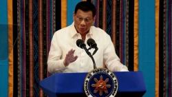 Tổng thống Philippines lần đầu lên tiếng sau vụ hàng trăm tàu Trung Quốc ở Biển Đông, dọa điều tàu chiến
