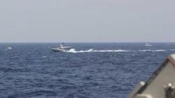 Tàu chiến Mỹ nã 30 phát đạn cảnh cáo Iran ở eo biển Hormuz