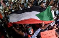 Sudan: Nổ súng khiến người biểu tình thương vong gần Bộ Quốc phòng