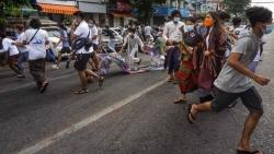 Anh, EU lại trừng phạt Myanmar