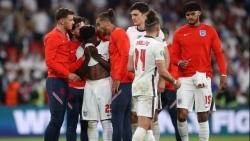 Chung kết EURO 2021: Ba cầu thủ của Tam Sư bị phân biệt chủng tộc, Thủ tướng Anh ra mặt đòi công bằng