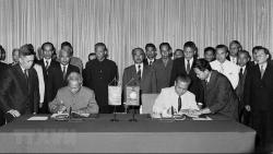 Quan hệ Lào-Việt Nam: 'Hạt gạo cắn đôi, cọng rau bẻ nửa'