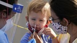 Trẻ em có nguy cơ chịu hậu quả khôn lường nếu người lớn không tiêm vaccine