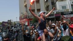 Tunisia: Tổng thống cách chức Thủ tướng, giải tán Quốc hội; quân đội kéo vào thủ đô