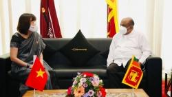 Đại sứ Hồ Thị Thanh Trúc chào xã giao Chủ tịch Quốc hội Sri Lanka nhân bắt đầu nhiệm kỳ công tác