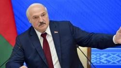 Belarus cự tuyệt 'nói chuyện' với EU, chi tỷ USD mua vũ khí Nga, tính 'rước' cả S-400