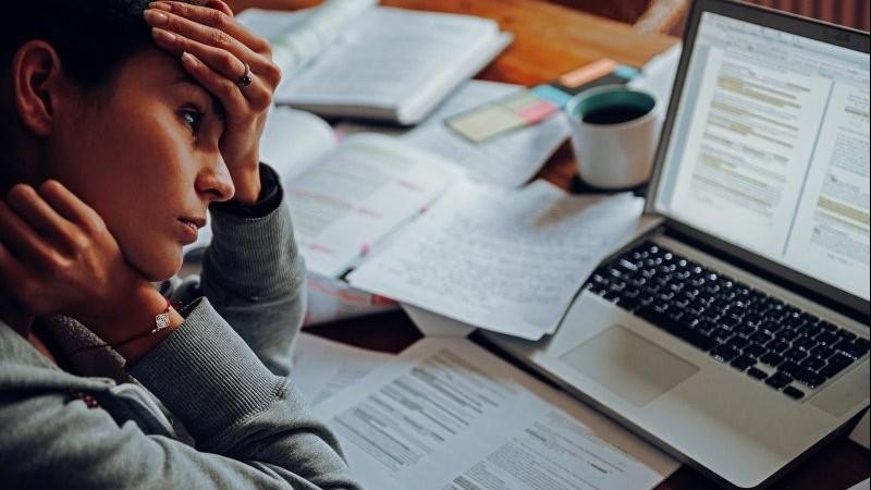 Mỹ: 42% phụ nữ thường xuyên cảm thấy kiệt sức trong năm Covid-19 thứ 2
