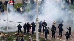 Tình hình Belarus: Bộ Nội vụ xác nhận sử dụng các công cụ kiểm soát bạo loạn đối với người biểu tình