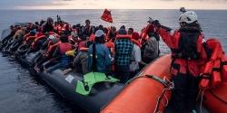 Tổ chức Sea-Watch giải cứu gần 150 người di cư ngoài khơi Libya