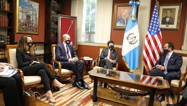 Đặc phái viên Mỹ tới Guatemala và El Salvador, tìm cách tháo gỡ vấn đề người di cư
