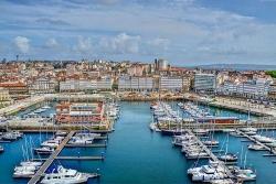 Covid-19: Tây Ban Nha phong tỏa thành phố 70.000 dân, Ireland nới lỏng quy định cách ly