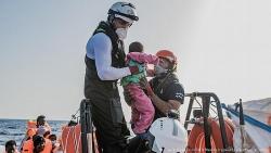 Tàu Ocean Viking giải cứu gần 200 người di cư trên Địa Trung Hải trong 1 ngày