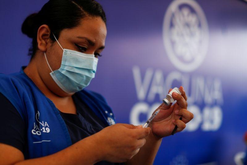Vaccine Covid-19: Thêm một quốc gia quyết định tiêm mũi thứ 3