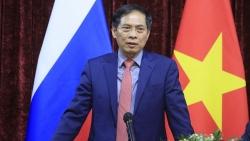 Bộ trưởng Ngoại giao Bùi Thanh Sơn gặp gỡ đại diện cộng đồng người Việt Nam tại Liên bang Nga