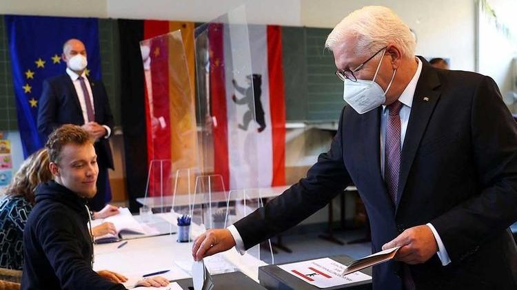 Bầu cử Đức: Tỷ lệ cử tri bỏ phiếu tăng mạnh, chưa lộ diện người kế nhiệm bà Merkel