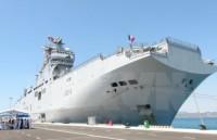 Tàu Tonnerre của Hải quân Pháp cập cảng quốc tế Cam Ranh