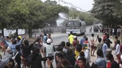 Facebook xóa trang chính của quân đội Myanmar