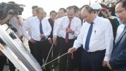 Thủ tướng Chính phủ thăm Cảng quốc tế Long An và dự án Nhà máy điện LNG Long An