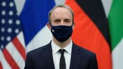 Ngoại trưởng Anh ủng hộ Czech trong mâu thuẫn với Nga, các bên cảnh báo đáp trả