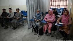 Chặng đường chông gai phía trước của phụ nữ Afghanistan
