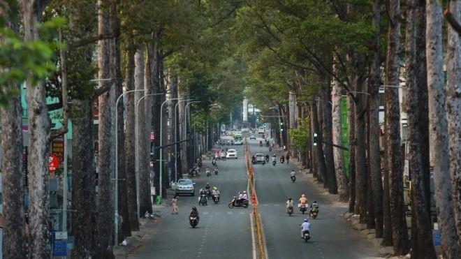 Covid-19 ở Việt Nam sáng 17/9: Đến nay có tổng 656.129 ca nhiễm, TP. Hồ Chí Minh thí điểm 'thẻ xanh', Hà Nội dỡ bớt chốt kiểm soát