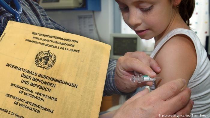 Tiêm vaccine Covid-19 ở Đức: Tự nguyện hay áp lực?