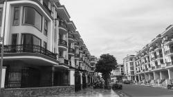 Tín dụng tiếp tục đổ mạnh vào bất động sản