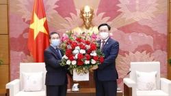 Việt Nam luôn đặc biệt coi trọng, dành ưu tiên cao nhất cho mối quan hệ với Lào