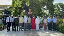 Kỷ niệm 131 năm ngày sinh Chủ tịch Hồ Chí Minh: Dâng hoa tại tượng đài Bác Hồ ở thủ đô Colombo