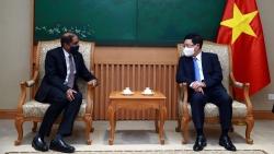 Phó Thủ tướng Phạm Bình Minh tiếp Đại sứ Singapore tại Việt Nam Jaya Ratnam