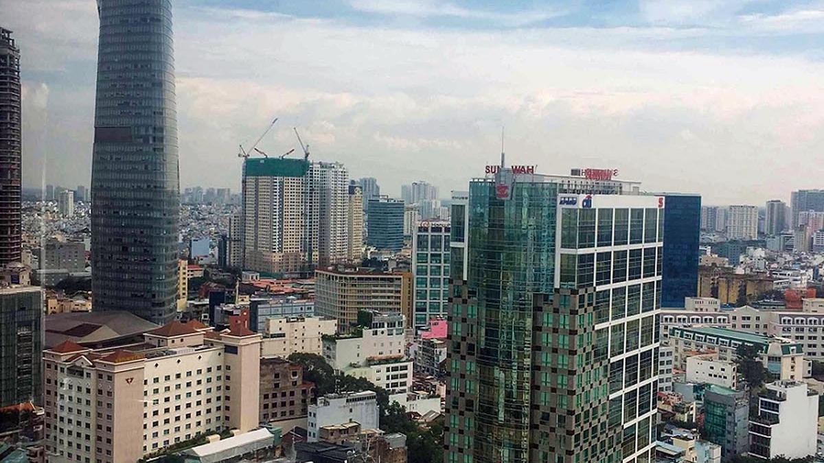 Giá thuê văn phòng tại Hà Nội và TP. HCM: Yếu tố tạo nên sự khác biệt
