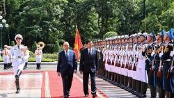 Chủ tịch nước Nguyễn Xuân Phúc chủ trì Lễ đón Tổng Bí thư, Chủ tịch nước Lào thăm hữu nghị chính thức Việt Nam