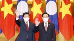 Chủ tịch Quốc hội Vương Đình Huệ hội kiến Tổng Bí thư, Chủ tịch nước Lào Thongloun Sisoulith