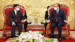 Tổng Bí thư, Chủ tịch nước Lào gặp nguyên Tổng Bí thư Nông Đức Mạnh và nguyên Chủ tịch nước Trần Đức Lương