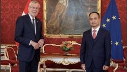 Đại sứ Nguyễn Trung Kiên trình Thư ủy nhiệm lên Tổng thống Cộng hòa Áo