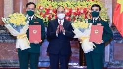 Chủ tịch nước trao Quyết định thăng quân hàm Đại tướng và Thượng tướng cho 2 lãnh đạo Bộ Quốc phòng