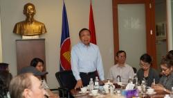 Tổng Lãnh sự Nguyễn Quang Trung gặp gỡ cộng đồng người Việt tại tỉnh bang British Columbia, Canada