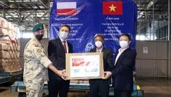 Tiếp nhận trang thiết bị và vật tư y tế do Chính phủ Ba Lan tặng Việt Nam